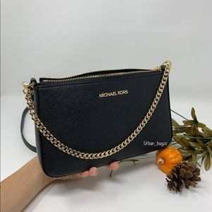 Michael Kors JST Medium Zip Pouchette